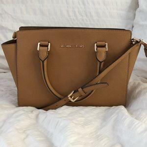 Genuine Michael Kors Medium Selma Handbag